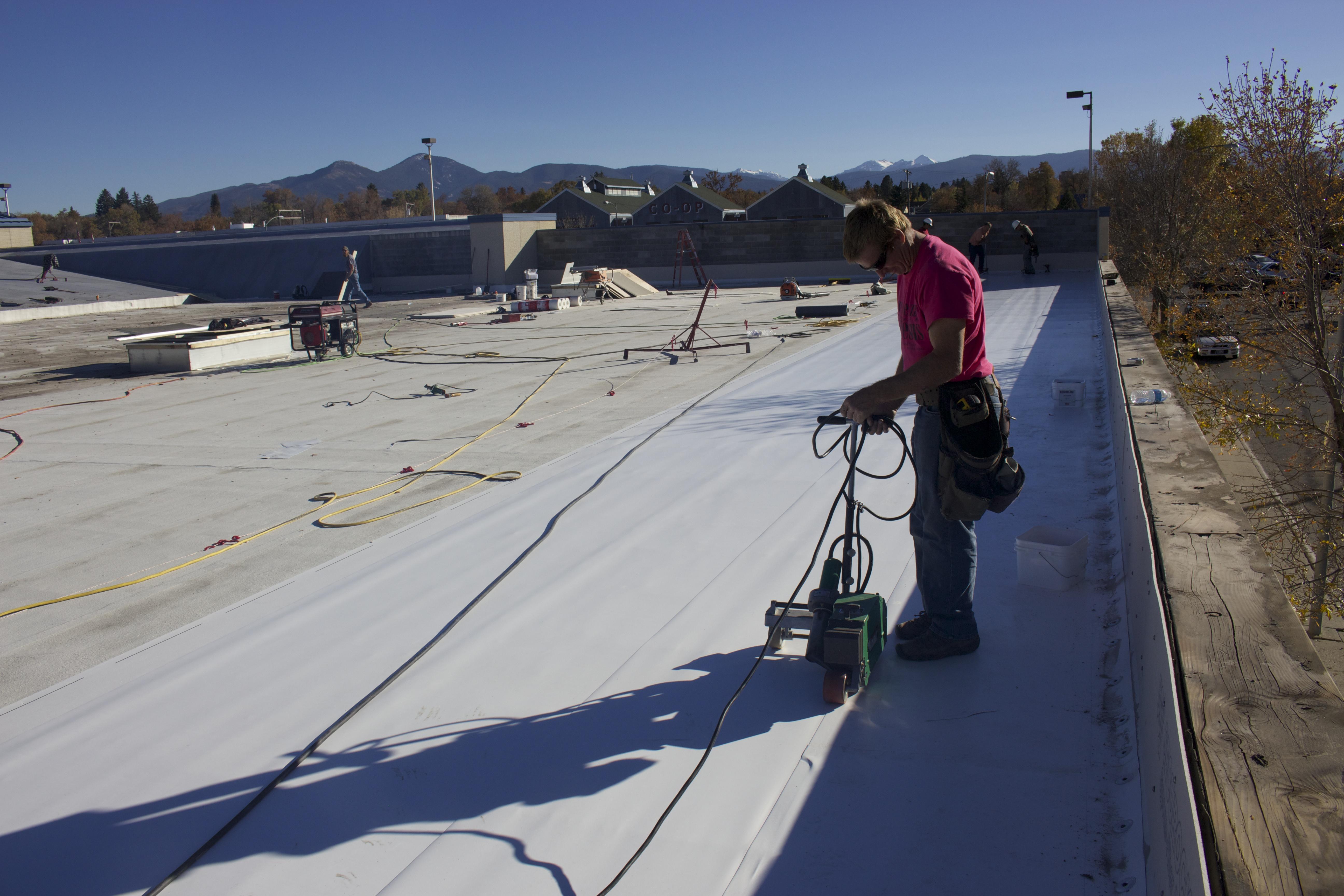 Flat-roof-installation-montana